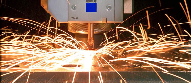 Laserski rzarez kovine